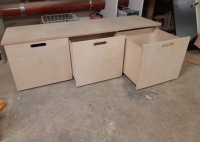 Laatikoita ja laatikostoja